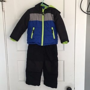 Size 3t matching snow pants and jacket